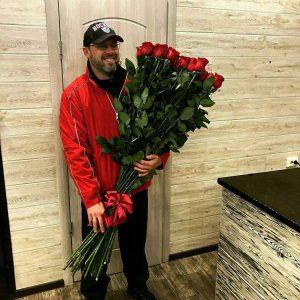 25 высоких роз