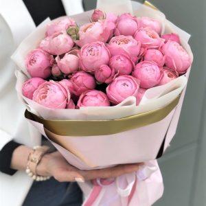 букет пионовидной розы