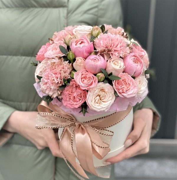 доставка цветов в коробке