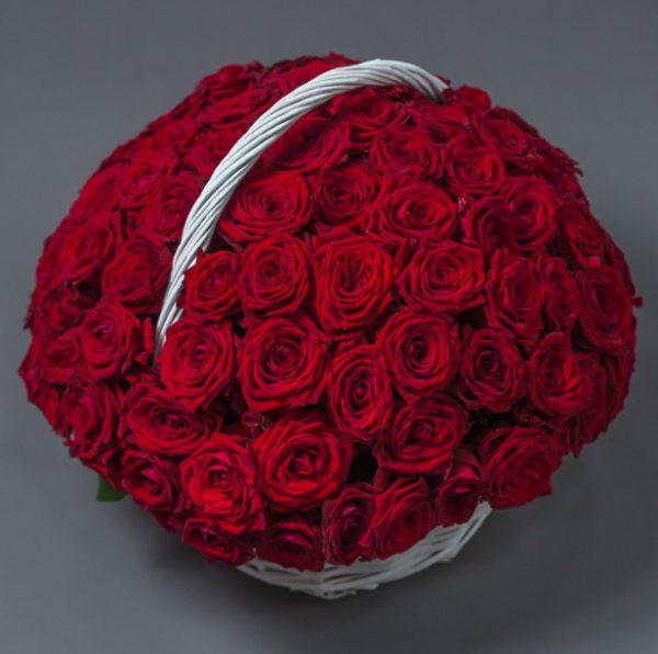 101 роза корзина