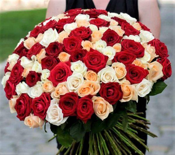 Букет ассорти из 101 розы