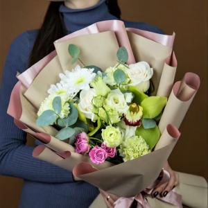 Букет на заказ с орхидеей мини