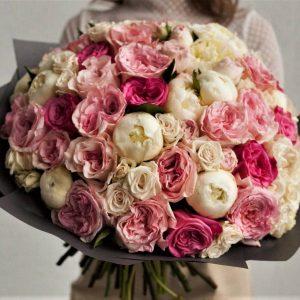 Букет пионовидных роз VIP