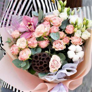 Букет цветов воздушный нежный