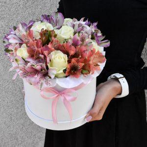 Доставка цветов коробочка нежная