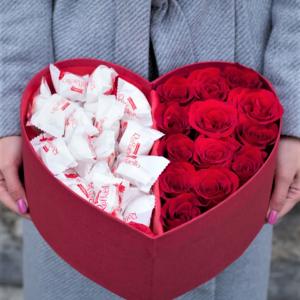 Коробка сердце роз и рафаэлло