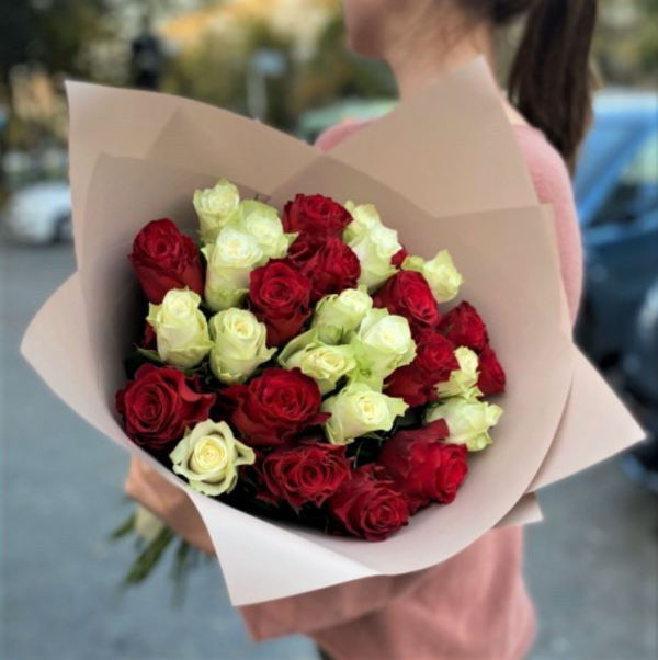 Роза 31 красная доставка