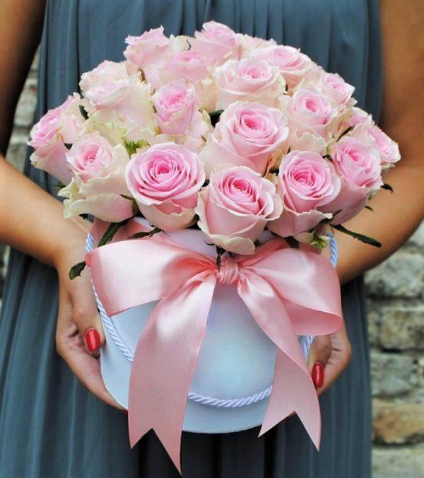 Розы в коробке 25 шт.