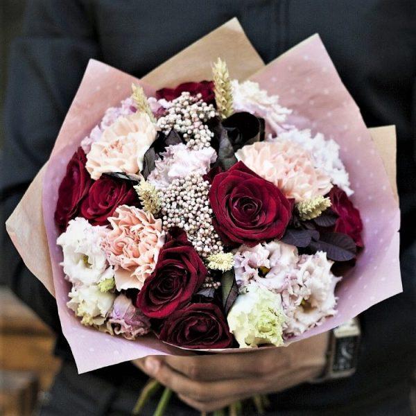 Розы и Диантус с доставкой