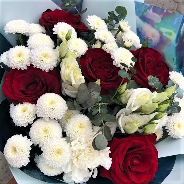 Цветы букет с розами