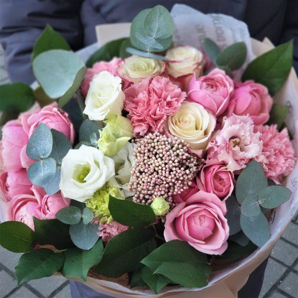 Эустома и пионовидная роза