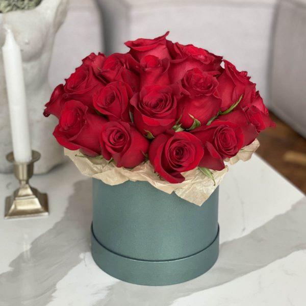 коробочка из 25 красных роз