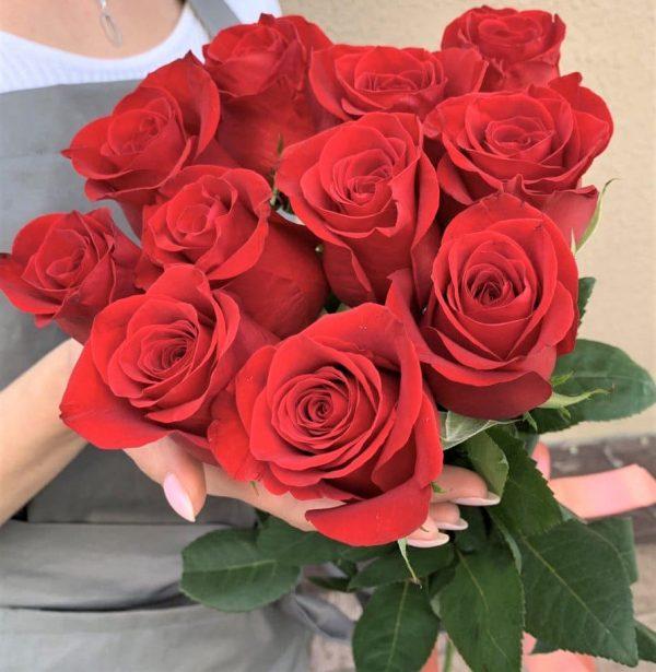 11 роз Красных