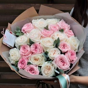 21 роза пионовидная