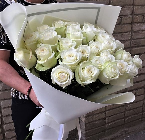 25 роз белых с Доставкой