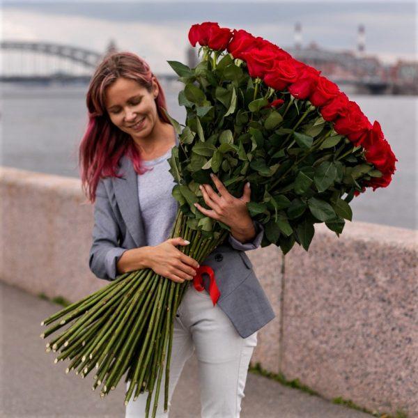 Высокие розы от 100 см доставка