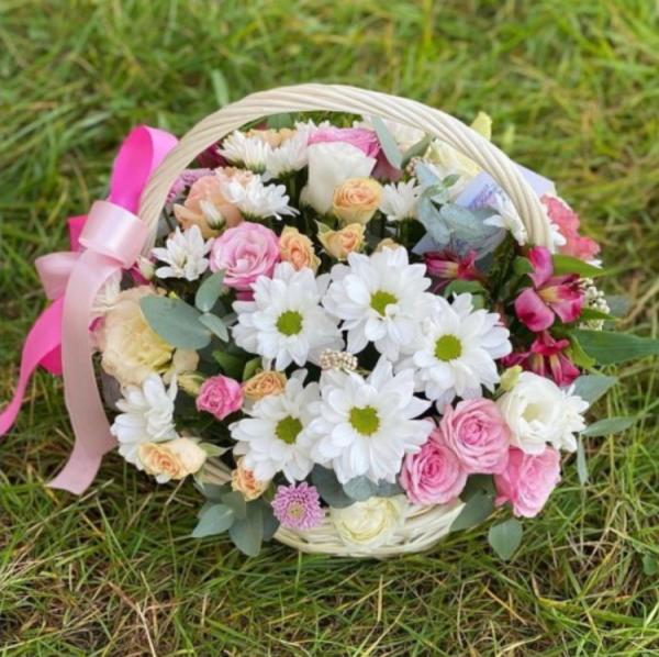 Корзина микс с хризантемой