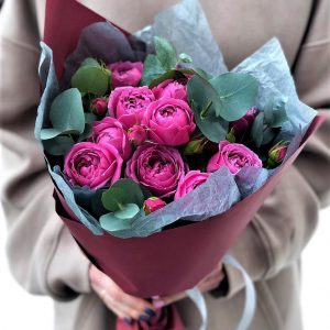 """Пионовидные розы """"Мисти Баблзс"""""""