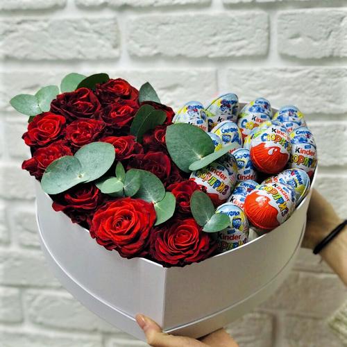 Сердце цветы и киндер сюрприз