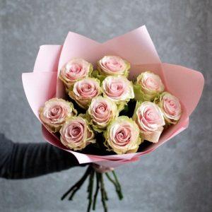 11 роз букет розовых недорого